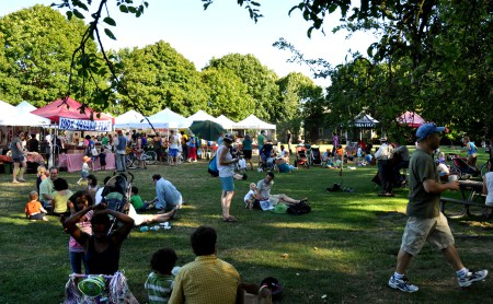 A bustling Wallingford Farmers Market on a warm, sunny August afternoon. Photo copyright 2012 by Zachary D. Lyons.